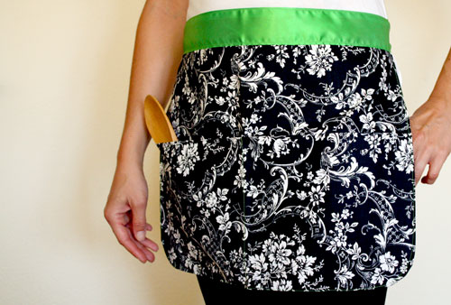 Handmade cotton apron with silk ribbon and 2 full-size front pockets